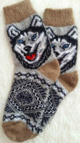 Носки с волком