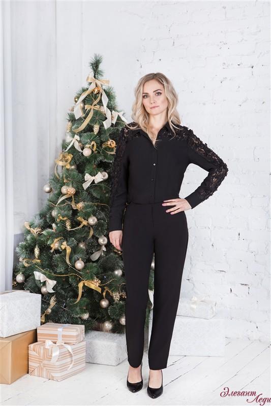 Блузка черная с кружевами