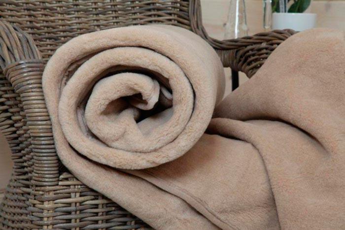 Плед из верблюжьей шерсти коричневый