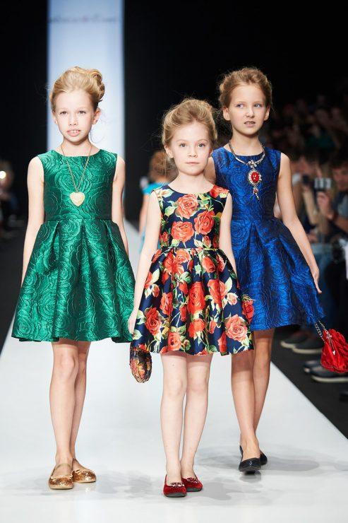 Детские платья цвета металлик