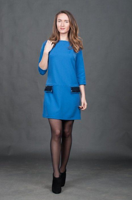 Платье цвета электрик с пайетками