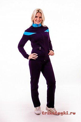 Черный костюм с голубыми вставками