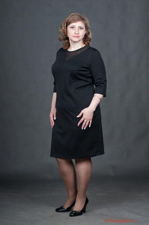 Черное платье классическое