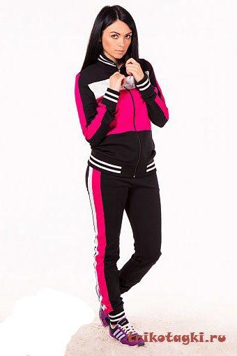 Костюм черный с розовой отделкой
