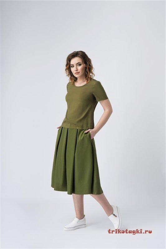 Юбка зеленая и блузка хаки