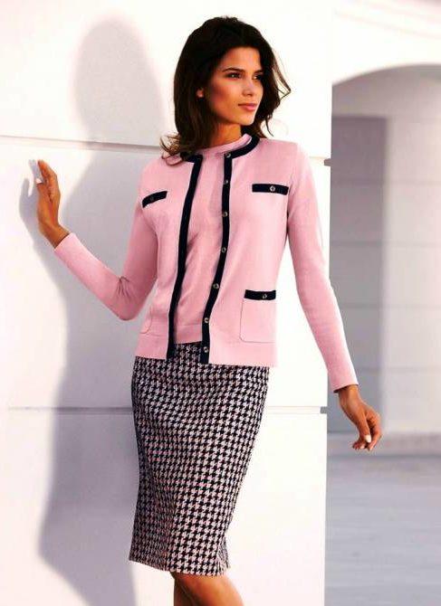 Классический розовый пиджак