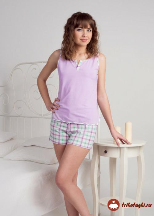 Пижама розовая с шортами в клетку