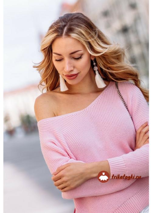 Джемпер женский розовый с открытым плечом