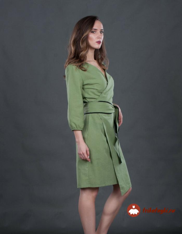 Платье зеленое с поясом