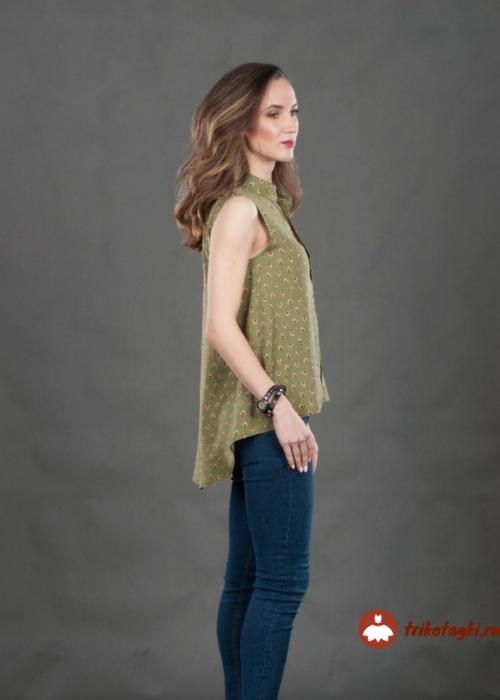 Легкая блузка без рукавов зеленая