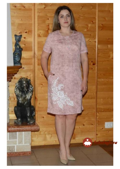 Бежевое летнее платье с вышивкой