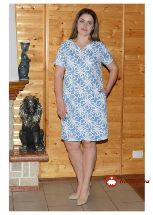 Голубое летнее платье до колен