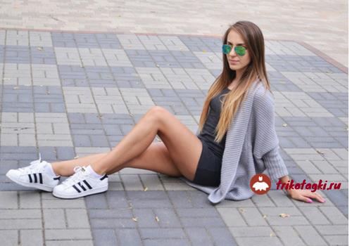 Летние кроссовки с платьем