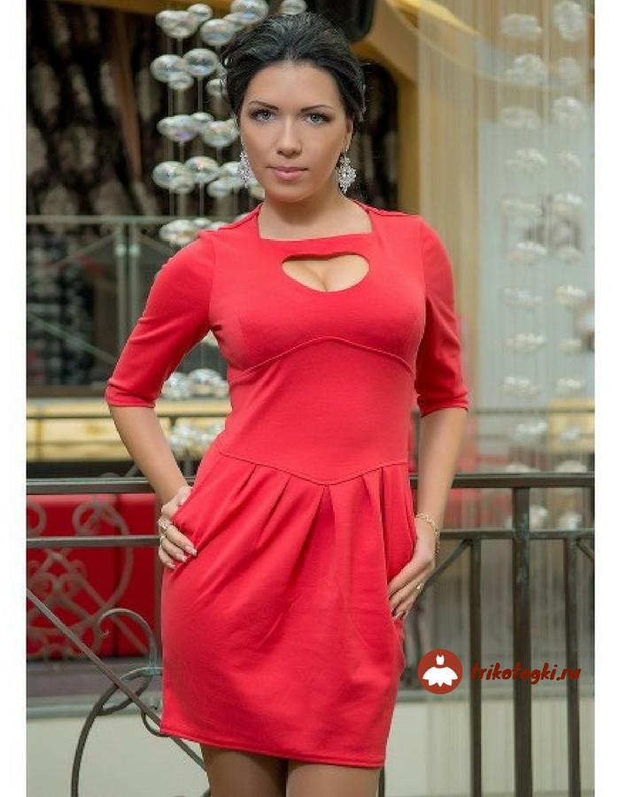 Платье красное с вырезом сердечко
