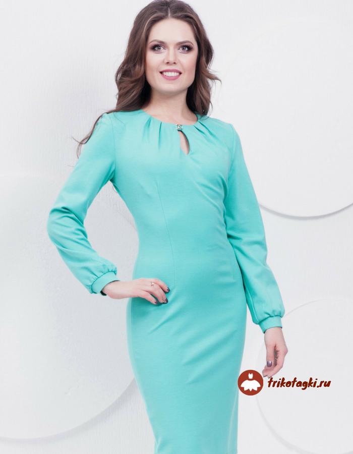 Бирюзовое платье с вырезом капля