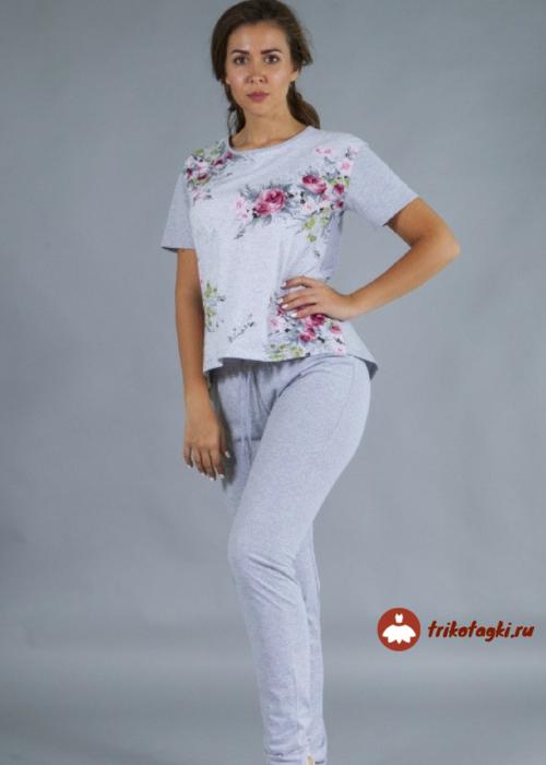 Костюм бело-голубой женский с брюками