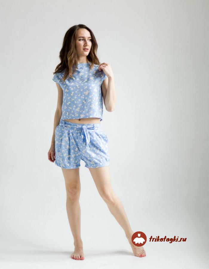 Костюм женский летний голубой с шортами
