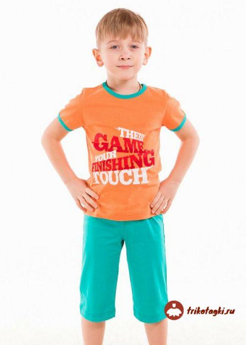 Комплект летний на мальчика с принтом в зелено-оранжевой гамме
