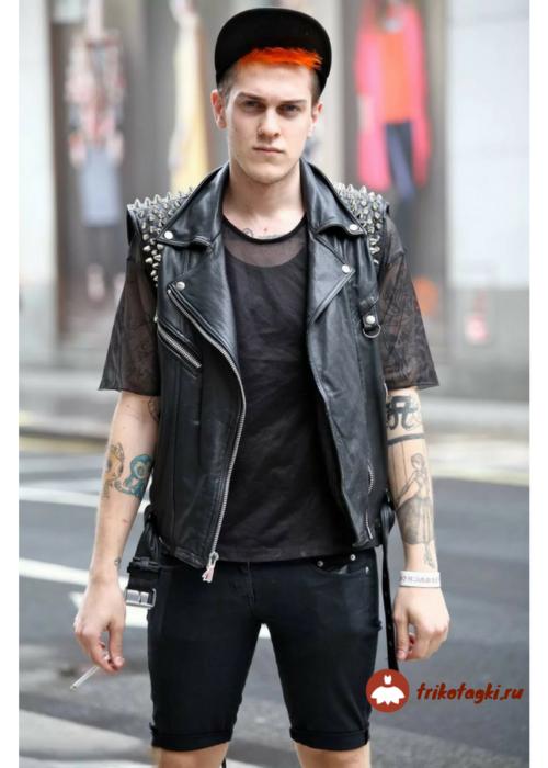 Мужской рок образ с кожаными бриджами