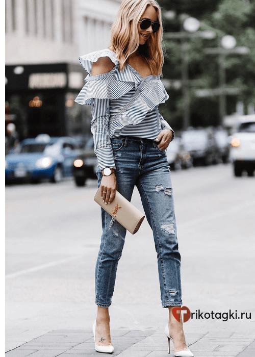 Модный лук с блузкой и джинсами