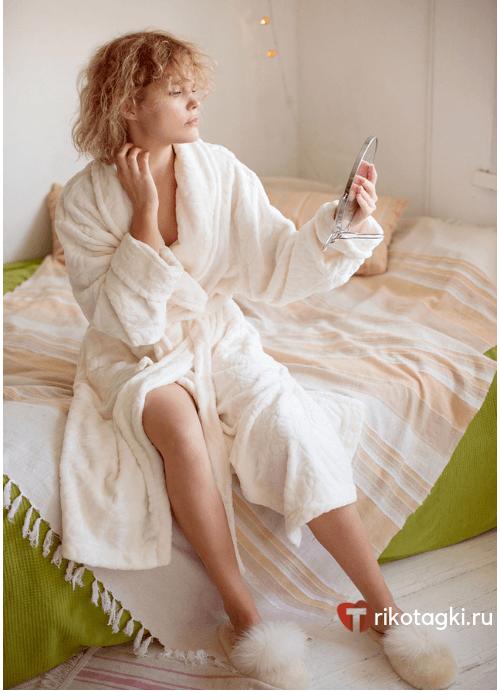 Белый женский халат с запахом