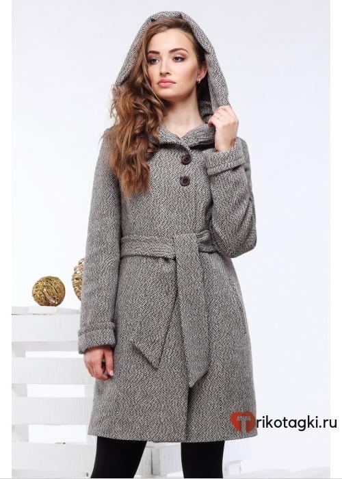 Женское пальто во французском стиле