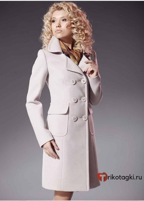 Женское пальто в английском стиле цвета зефир