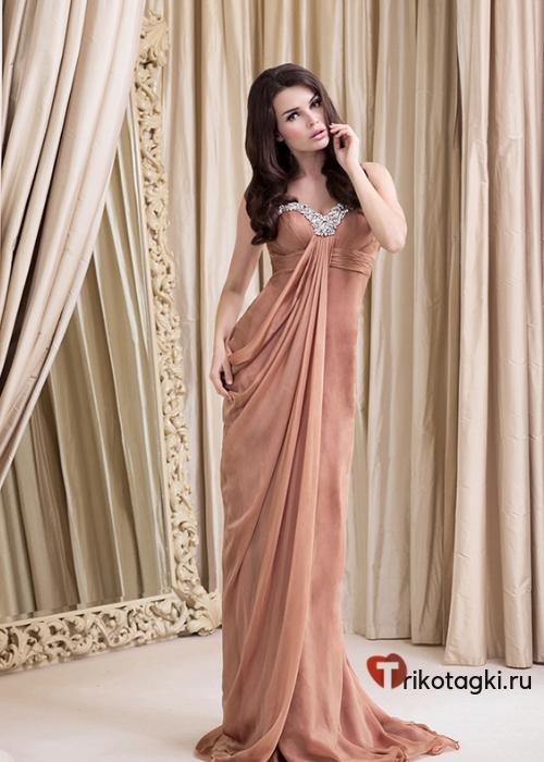 Длинное нежное платье
