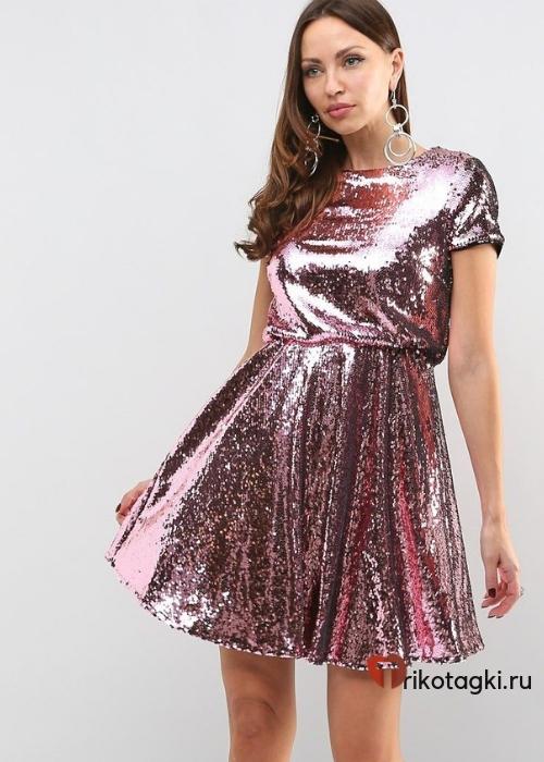 Платье из красного золота