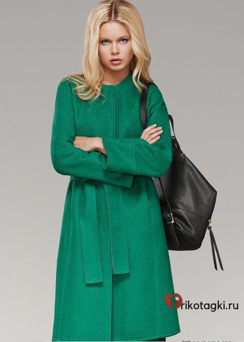 Зеленое пальто с запахом