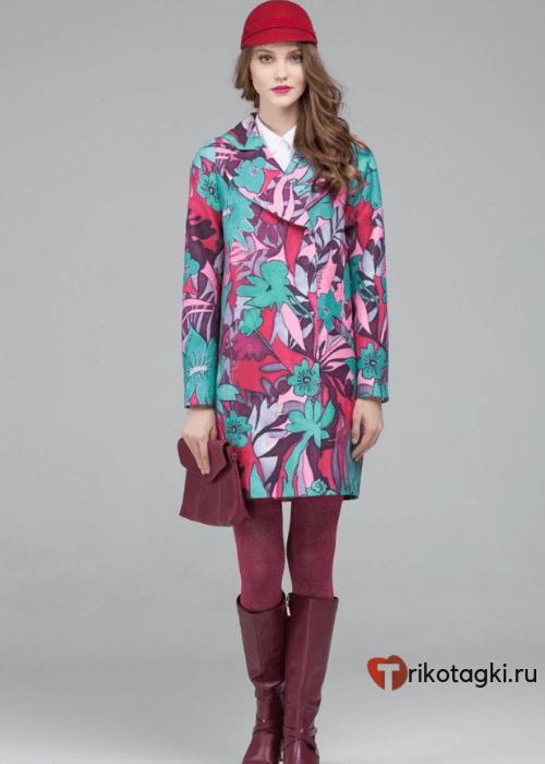 Модное пальто из кашемира с цветочным принтом
