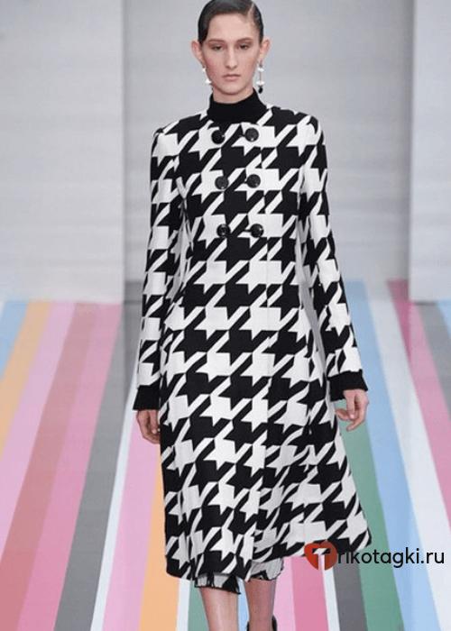 Модное пальто из кашемира с принтом гусиные лапки
