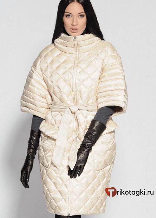 Модное стеганое пальто с короткими рукавами белое