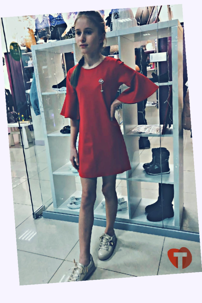 Красное детское платье