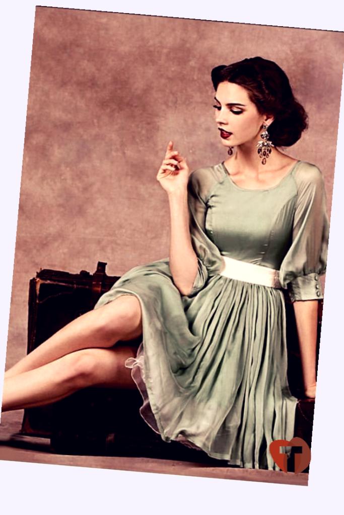 Девушка в винтажном луке