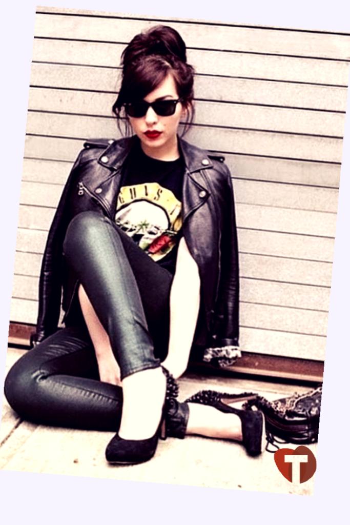 Женский лук панк-рок