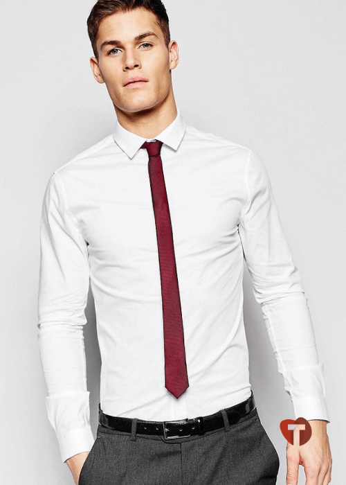 Мужской лук с красным галстуком и белой рубашкой