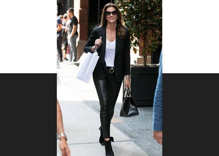 Синди Кроуфорд и сумка Galleria от Prada